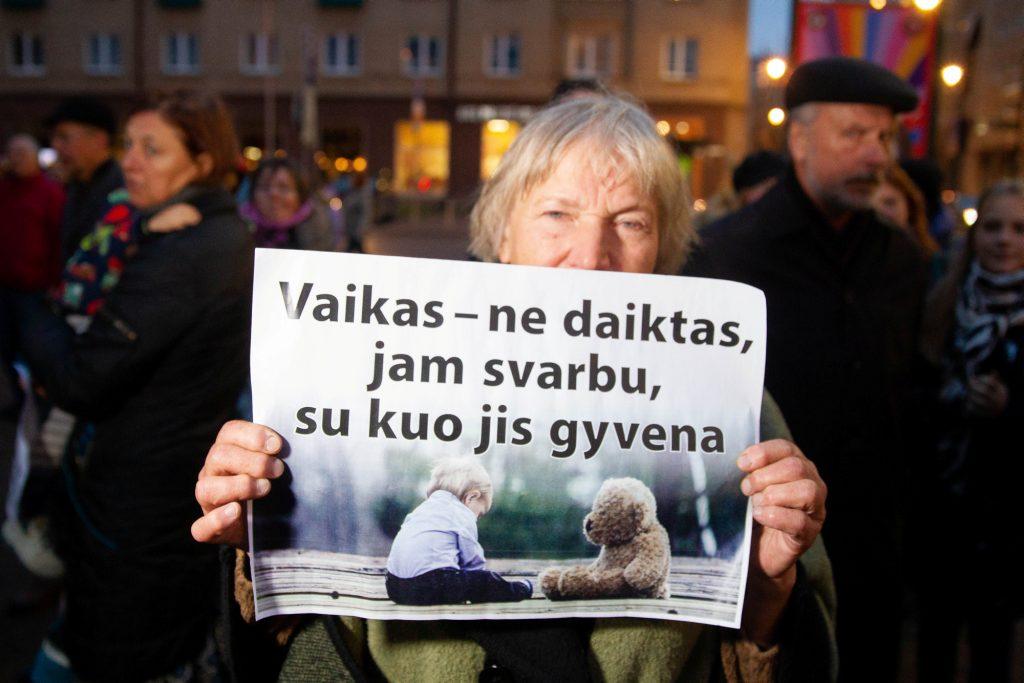 Lithuanian parliament passes children's rights protection amendments