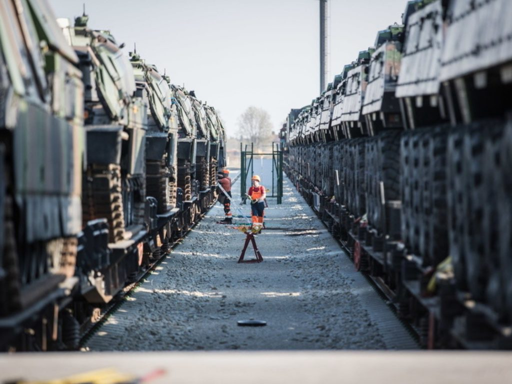 Incoming French troops' battle equipment arrives in Tapa