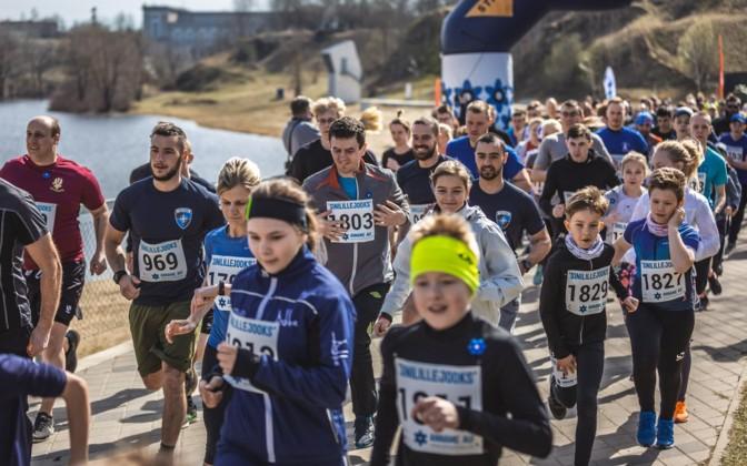 Hundreds participate in Veterans Day charity run in Narva