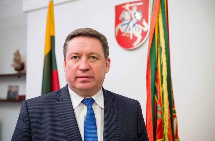 Lithuanian defense minister visiting Ukraine