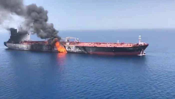 attacks to oil tankers