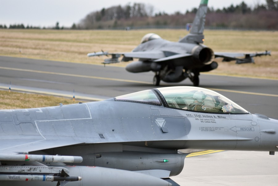 F-16 fighter jets to Taiwan