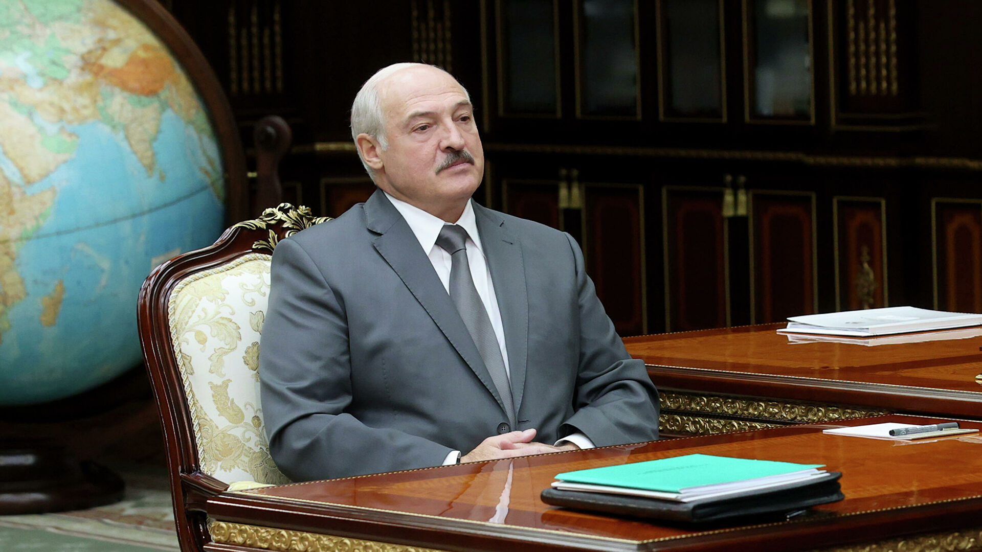 Lukashenko instructs to withdraw troops from western border of Belarus balticword
