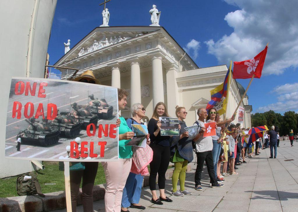 Baltic states start to turn away from China
